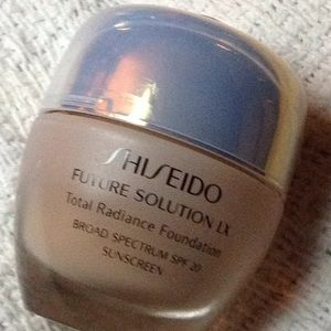 Shiseido Future Solution LX Total Radiance Found.